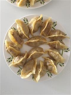 牛肉胡萝卜蒸饺