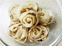 手工花朵饺子