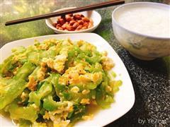 蒜蓉苦瓜炒鸡蛋,清热小菜