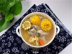 坤博砂锅煲玉米排骨汤