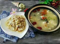 一条鱼的绝佳吃法-鱼头豆腐汤和滑鱼片