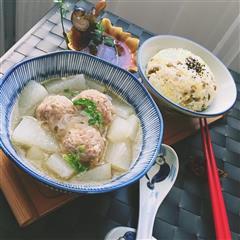 冬瓜肉丸汤+杂粮饭